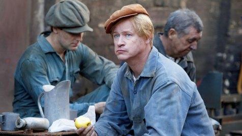 Der-Hundertjährige,-der-aus-dem-Fenster-stieg-und-verschwand-©-2013-Filmladen(8)