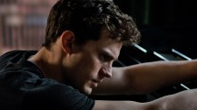 Fifty-Shades-of-Grey-©-2014-UPI,-Universal-Pictures(8)