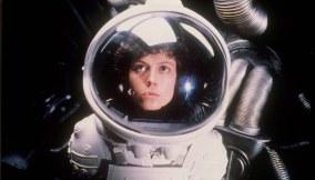 Alien-(c)-1979,-2012-20th-Century-Fox-Home-Entertainment(3)