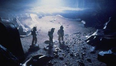 Alien-(c)-1979,-2012-20th-Century-Fox-Home-Entertainment(8)