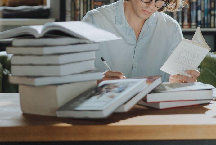Candidaturas a bolsa de estudo para o ensino superior