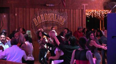 1109 01 1 - ロス近郊、銃乱射で12人死亡 音楽イベント開催中のダンスホール 犯人は元海兵隊員