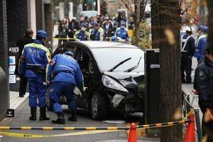 0116 14 1 - 渋谷 79歳の男性が歩道に車突っ込み7人搬送
