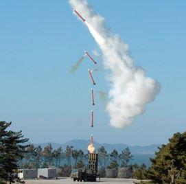 0318 13 1 - 韓国春川・地対空ミサイル天弓2 誤作動で発射 自爆機能で自爆 諸元・スペック