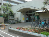 1635819 thum 1 - 【中止】喜多見児童館 「プラバンアクセサリーを作ろう」