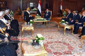 الرئيس السيسي يستقبل الوفد العُماني في قمة شرم الشيخ
