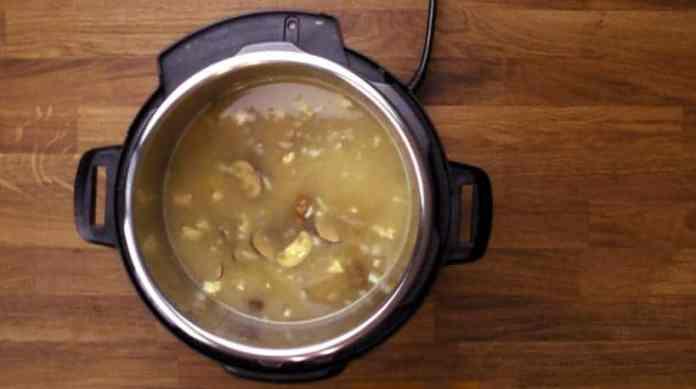 Instant Pot Mushroom Risotto Recipe (Pressure Cooker Mushroom Risotto): pressure cooked risotto