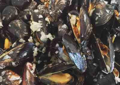 Instant Pot Mussels Mariniere (White Wine Sauce)