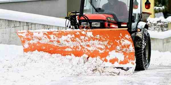 9+ Best Commercial Snow Blowers Reviews (Edited)