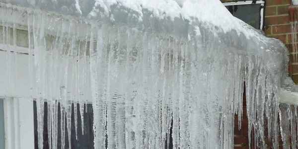 How Do You Get Rid Of Ice Dams In Gutters?