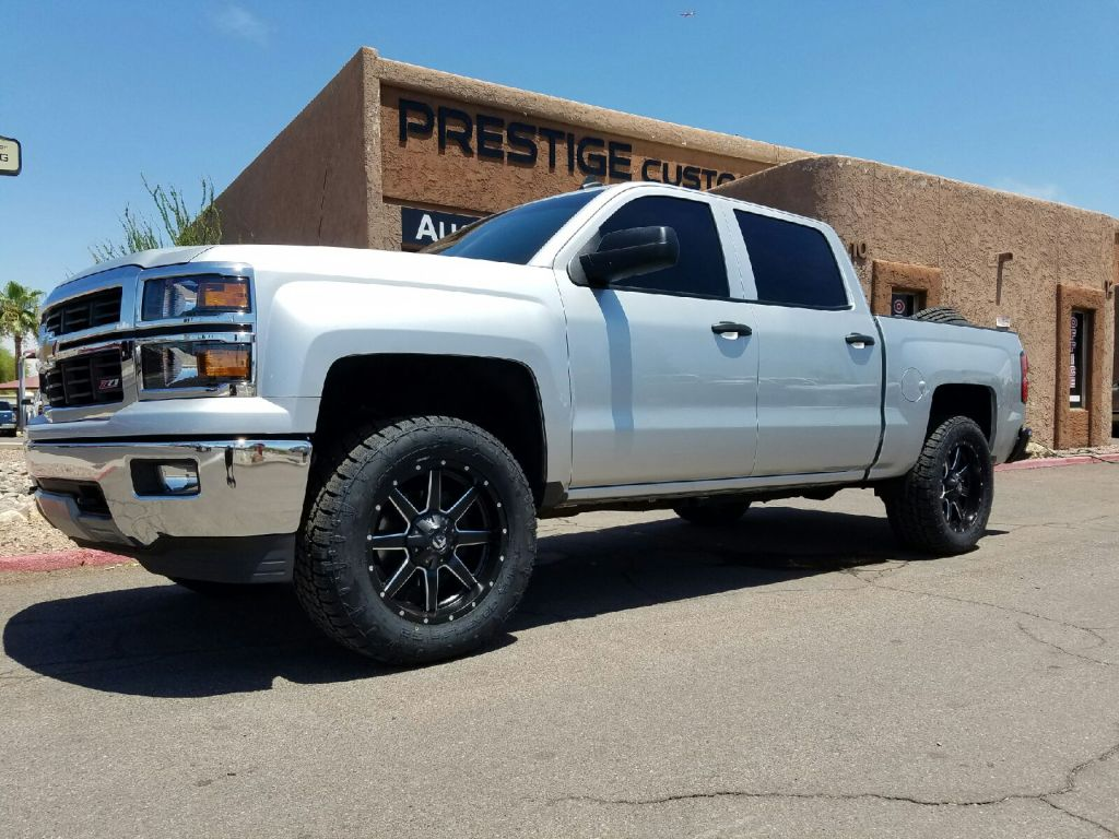 2014 CHEVY 1500 3 ROUGH COUNTRY LEVEL KIT WITH FUEL MAVERICKS 20X9 BLACK AND MILLED NITTO TERRA GRAPPLERS G2 30555R20 (3)