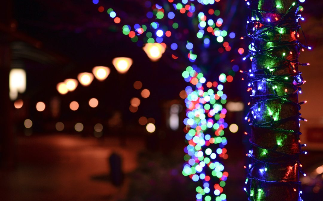 Christmas in July? Planning Ahead for Your Commercial Holiday Lights!