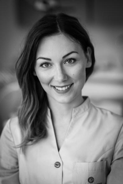 Julia Zdunek, asystentka stomatologiczna