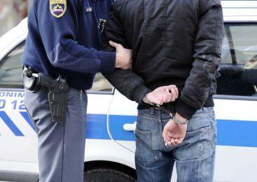 Policisti odvzeli prostost 35 letnemu državljanu Srbije, zaradi storitve 37 kaznivih dejanj