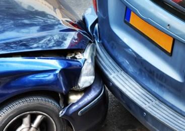 37 letna voznica osebnega avtomobila povzročila prometno nesrečo