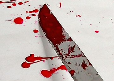 Z nožem ga je zabodel v hrbet