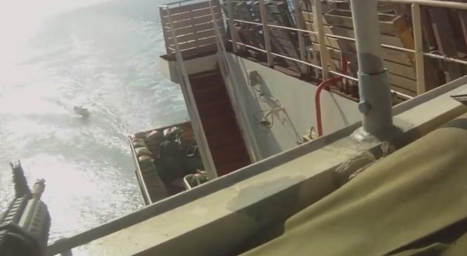 VIDEO: Somalijski pirati hoteli napasti do zob oboroženo tovorno ladjo