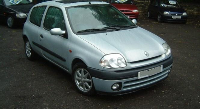 Ukradli osebni avtomobil Renault Clio