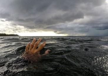 Oseba, ki se je v bohinjskem jezeru utapljala, je umrla
