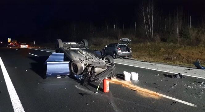 FOTO: Avtocesta zaradi prometne nesreče še kar zaprta