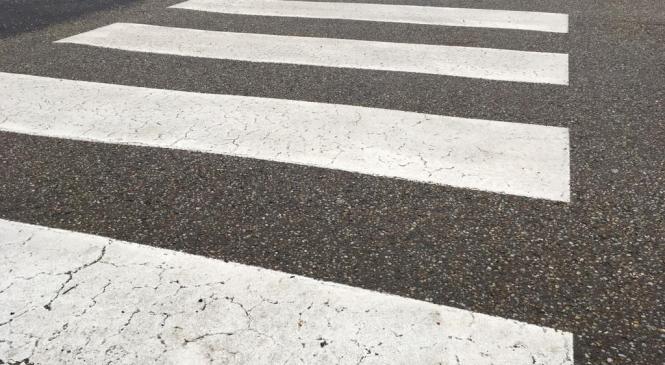Voznica trčila v peško