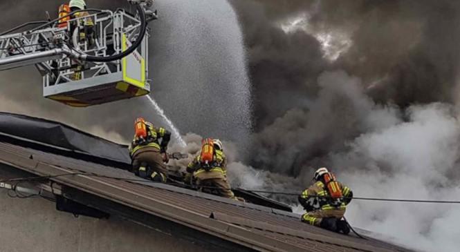 Požar v proizvodni hali povzročil za več kot 50.000 evrov škode