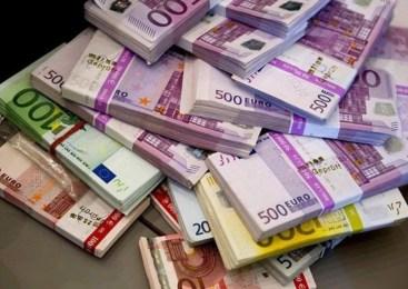 Lažna medicinska sestra iz stanovanja ukradla 10.000 evrov gotovine