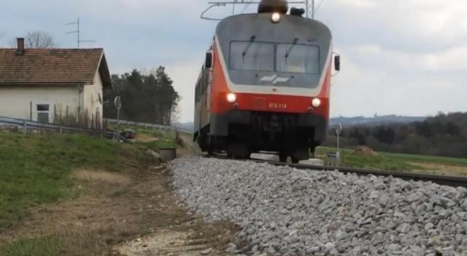 Vlak trči v traktor