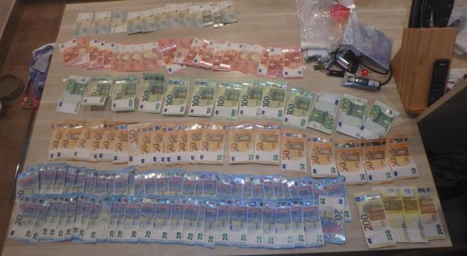 19-letnika osumljenega preprodaje prepovedanih drog policisti pridržali