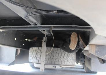 V podvozju bosanskega tovornega vozila odkrili državljana Maroka