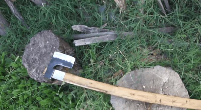 Obravnavan poskus uboja s sekiro, policisti preprečili hujše posledice