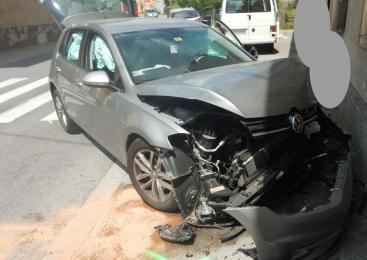 Prometna nesreča z udeležbo treh vozil