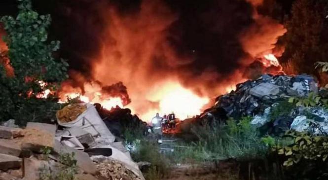 Preiskava požara na Cesti dveh cesarjev v Ljubljani, poteka v smeri suma kaznivega dejanja