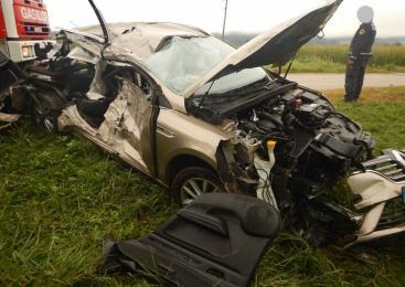 Podlože: V prometni nesreči umrl voznik osebnega avtomobila