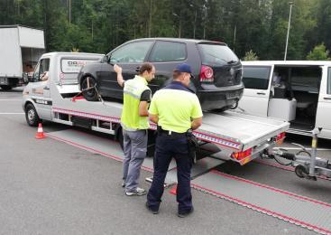Policisti na območju Lendave zasegli osebno vozilo