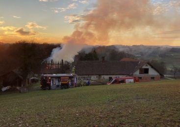 Požar na stanovanjski hiši v Dolnjih Slavečih