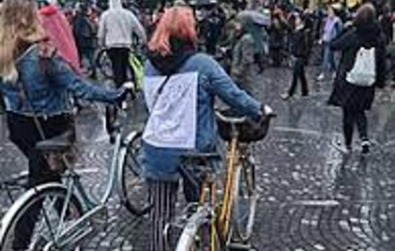 Policisti pozivajo k odgovornem ravnanju v primeru udeležbe na neprijavljenih protestih