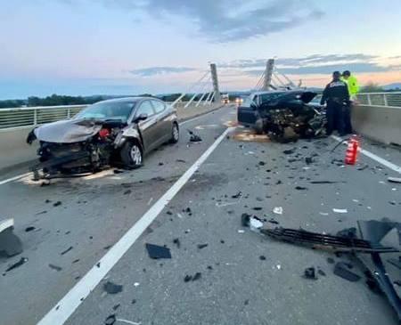 V prometni nesreči na Puhovem mostu kar 9 poškodovanih
