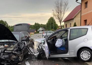 V prometni nesreči tri poškodovane osebe