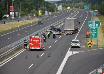 Prometna nesreča s smrtnim izidom na avtocesti Celje-Maribor pred izvozom Dramlje