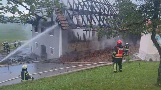 V požaru gospodarskega poslopja nastala velika gmotna škoda