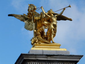 paris golden sculpture