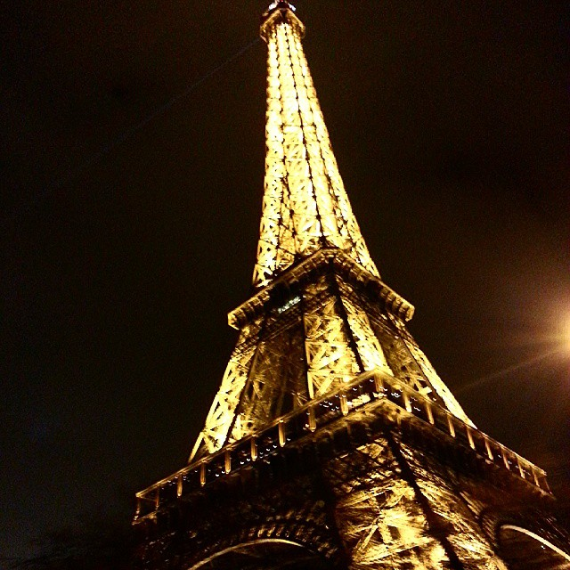 Eiffel Tower on an angle PreteMoiParis