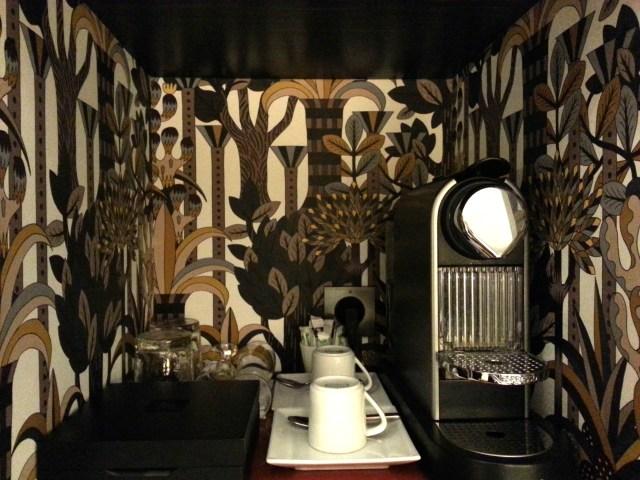 hotel-montalembert-prete-moi-paris-coffee-corner-hermes-wallpaper