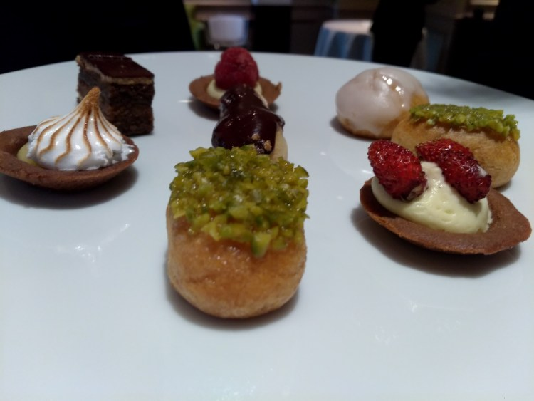 Mini French pastries