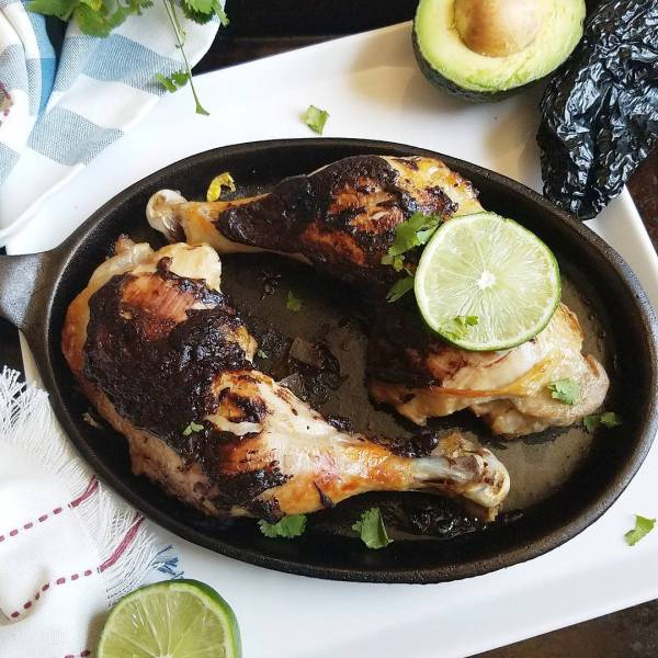 Spanish Braised Chicken Oh dear goodness I KNOW  Clickityhellip