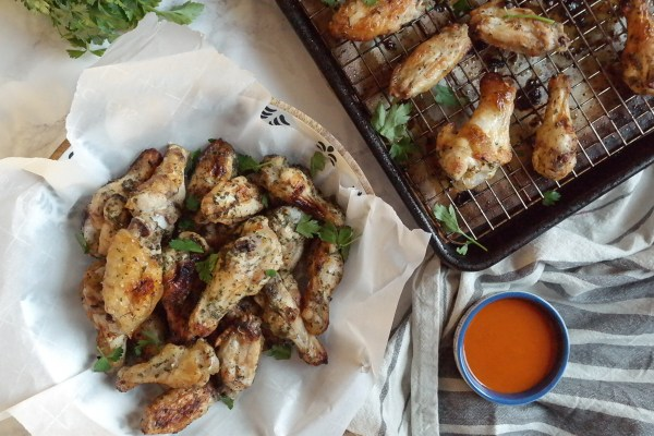 ranch chicken wings with buffalo sauce