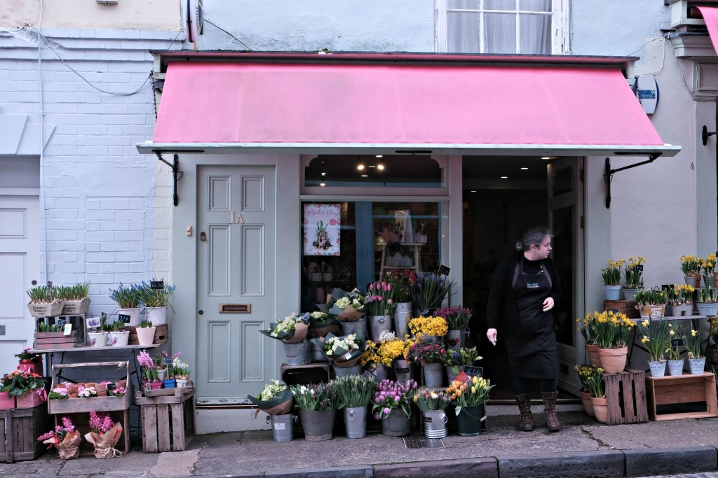 PIcture of flower shop in clifton village.  48 hours in clifton itinerary.