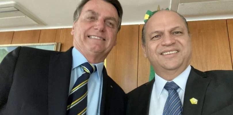 Intercept: Governo Bolsonaro paga mais caro por vacina de laboratório ligado a Ricardo Barros