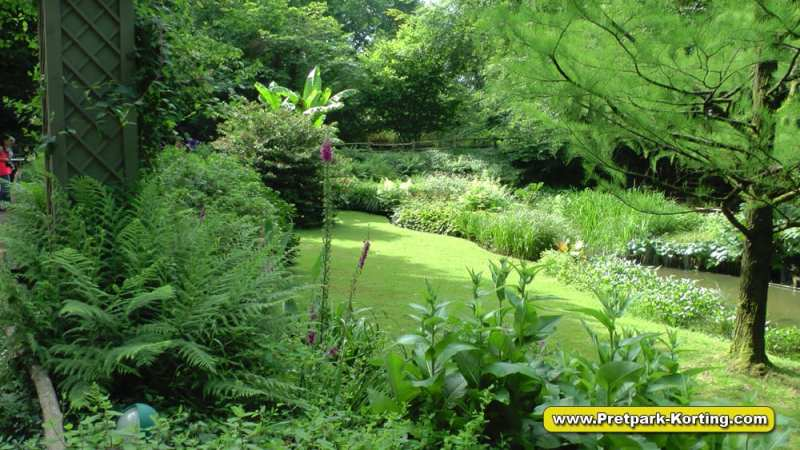 Puy du Fou - Prachtige natuur - bomen, planten, bloemen en rivier